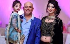 Ali Azmat family pictures with his wife and daughters